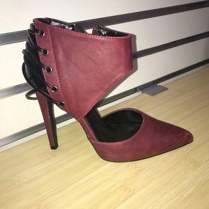 Qupid cranberry and black heels 7 1/2